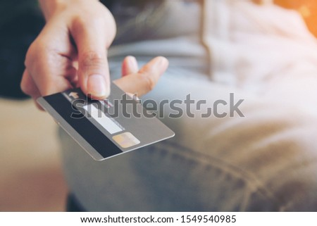 Online purchases via credit cards #1549540985