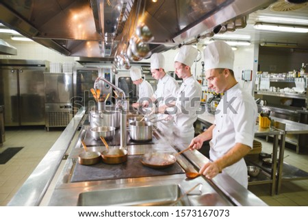cook cooks in a restaurant #1573167073