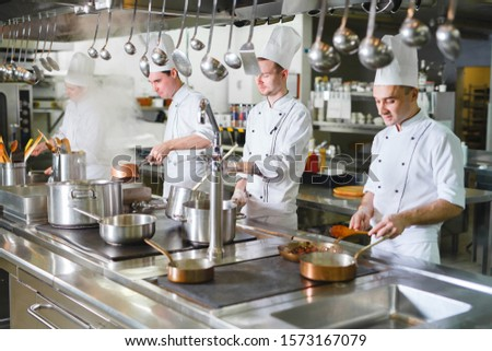 cook cooks in a restaurant #1573167079
