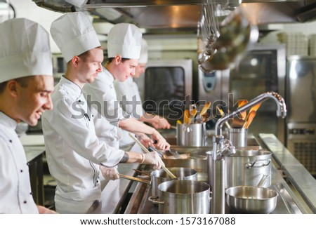 cook cooks in a restaurant #1573167088