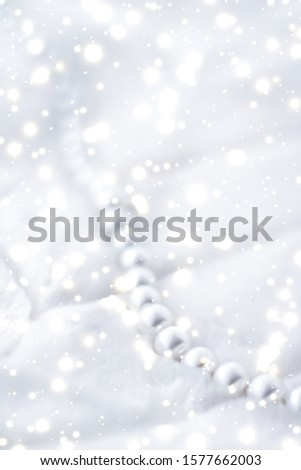 Jewelry branding, elegance and sale concept - Winter holiday jewellery fashion, pearl necklace on fur background, glamour style present and chic gift for luxury jewelery brand shopping, banner design #1577662003