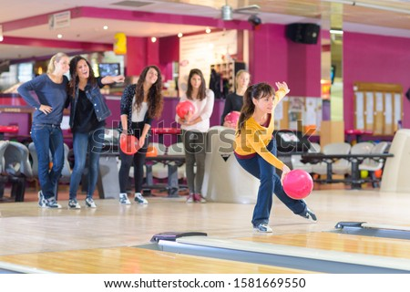 professional bowler in the center #1581669550