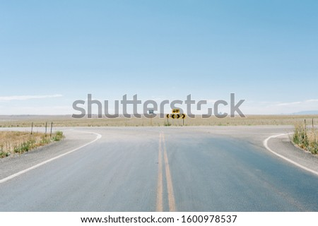 Intersection of highway 160 and highway 41 in Colorado, USA #1600978537