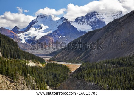 The well-known mountains in the north of Canada #16013983