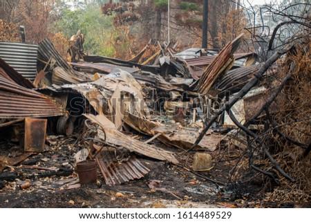 Australian bushfire aftermath: Burnt building rubble at Blue Mountains, Australia #1614489529