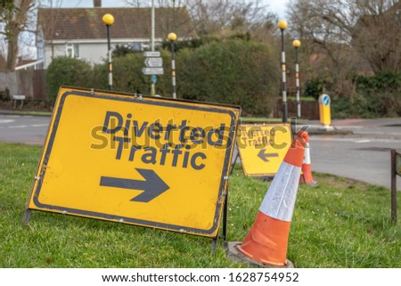 Confusing British diversion road signs putting traffic in both directions #1628754952