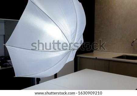 Photography umbrellas of lighting modifier, category of diffusion. All diffusers create a larger light source, spreading the light out over a larger area and creating a softer light.