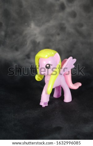 Images of litle pony children's toys