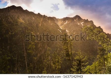 The High Tatras Mountains (Vysoke Tatry, Tatry Wysokie, Magas-Tatra), are a mountain range along the border of Slovakia in the Presov Region, and southern Poland  #1637142943