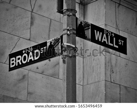 Intersection of Broad Street and Wall Street          #1653496459