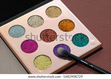 Eyeshadow glitter palette with brush #1682908729