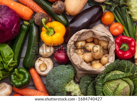 Layflat composition of fresh organic vegetables