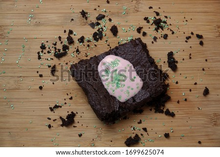 This Picture shows a Brownie.