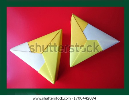 TRIANGULAR PAPER PRODUCTS FOR TABLE #1700442094