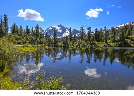 Picture lake landscape in Mount Baker national forest