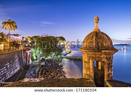 San Juan, Puerto Rico coast at Paseo de la Princesa. Royalty-Free Stock Photo #171180104