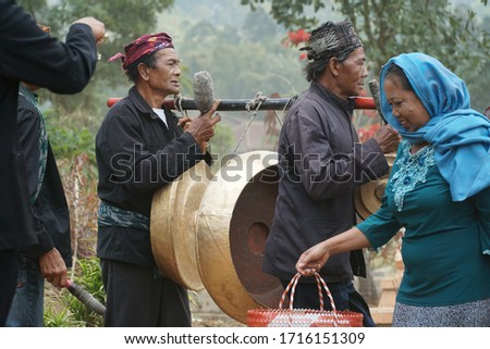 21 September 2019 Probolinggo east java indonesia, Karo festivals in the Tengger tribal community are on a pilgrimage to the cemetery #1716151309