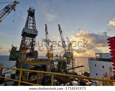 Malaysia, Miri 4 April 2020, Jack Up Oil Drilling Rig At Sun Rise Time - Oil and Gas Industry. #1718241973