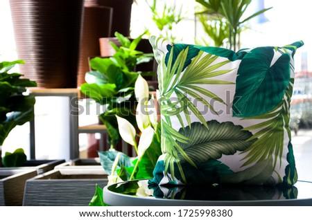Products Photography: amazing nature print cushion.