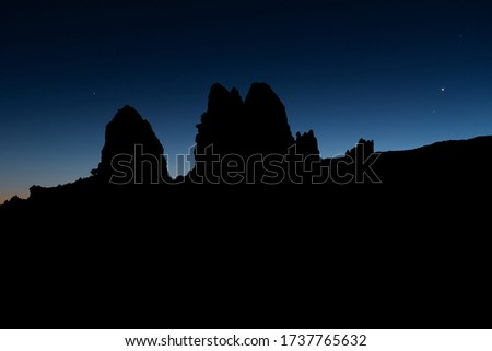 Planetary conjunction, Venus and Mercury appear aligned in the rightside of the picture. This picture is taken in Tenerife. Here, in the island, we have this clear sky near the Teide.