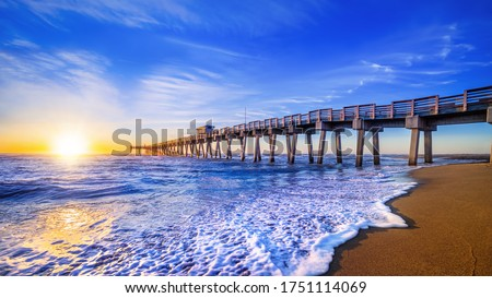 famous pier of venice while sunset, florida Royalty-Free Stock Photo #1751114069