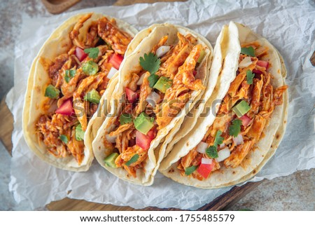 mexican shredded chicken tacos with ingredients