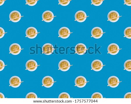 instant noodles pasta seamless pattern over blue background. texture backdrop. fast food concept.