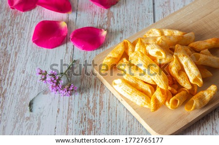 Pasta pictures, paprika flavored potato chips