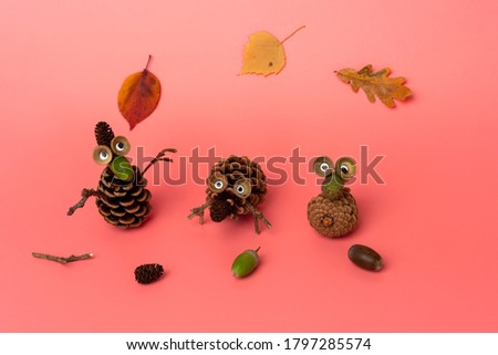 autumn craft for kids made of leaf and pine cone, activities for preschooler or toddler