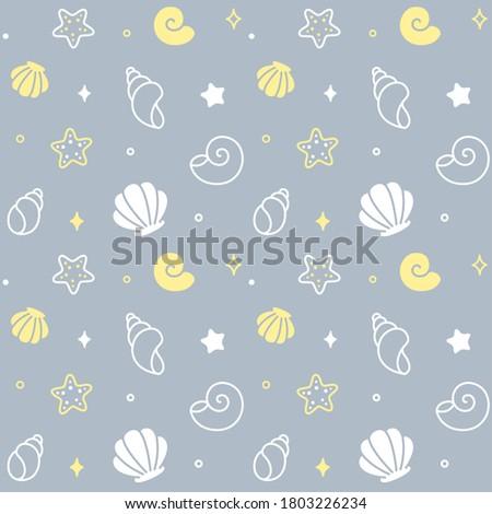 Cartoon seashell doodle seamless pattern. Hand drawn sea shells, beach summer vacation. Background illustration.