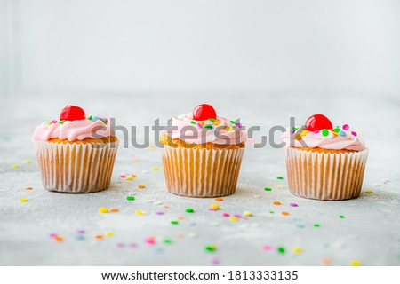 Beautiful picture of cupcakes with blurry background. selective focus.