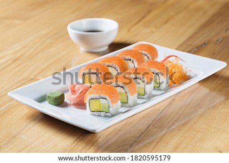 overhead picture of sushi rolls