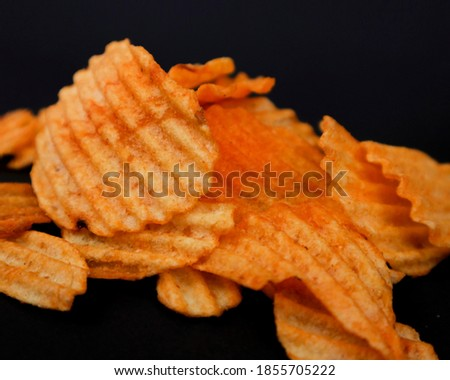 a picture of very delicious potato chips, made from selected ingredients that add flavor
