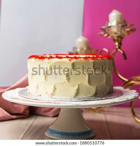 Side angle picture of cake, Red velvet cake side angle, cake stand