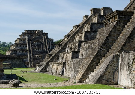 Nichos piramide in Tajín  archaeological area Royalty-Free Stock Photo #1887533713