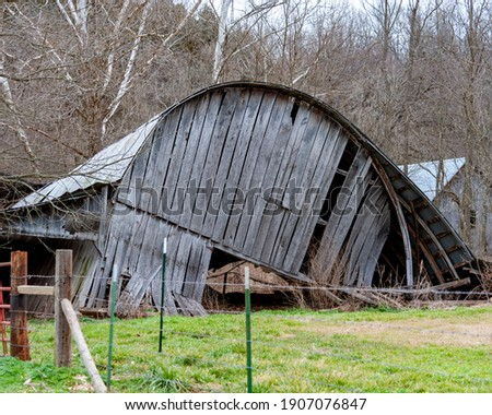 Old collapsed Barn in rural Arkansas Royalty-Free Stock Photo #1907076847