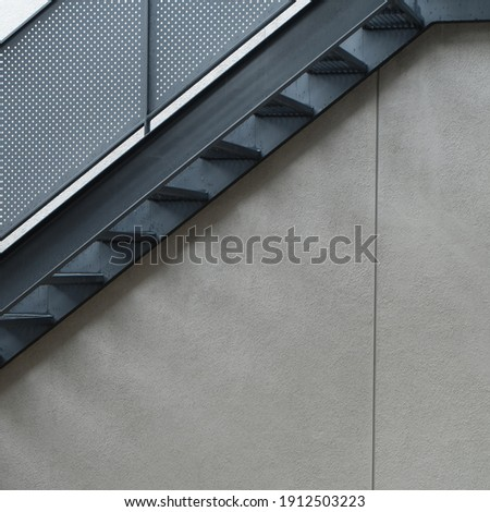 When looking at the stairs and walls (4000x4000) 300 dpi