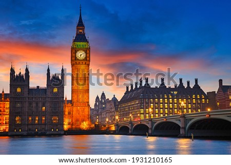 Big Ben and westminster bridge at dusk in London Royalty-Free Stock Photo #1931210165