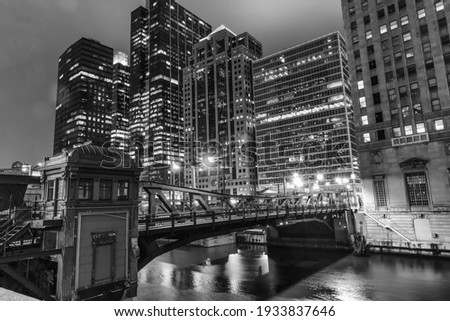 Chicago by night, black ancd white picture.
