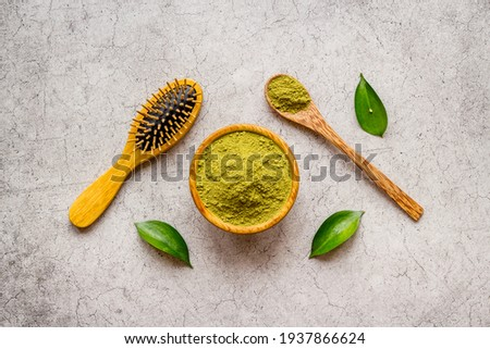 Raw powder of henna for herbal hair dyeing
