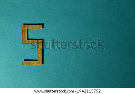 The number of five have on the blue background at so beautiful and nice. Which can express five number for different sign.