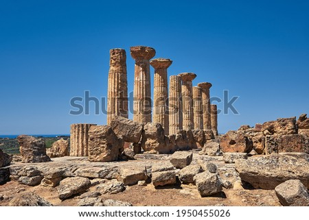 The temple of Heracles or Hercules, known as Tempio di Eracle in Italian. It is in ruins with only eight columns left. Valley of the Temples, Agrigento, Sicily, Italy.