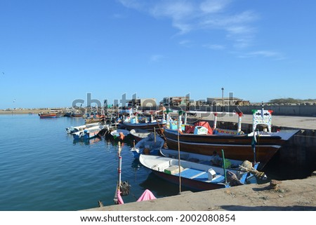 Beautiful pic of harbor with the blue sea