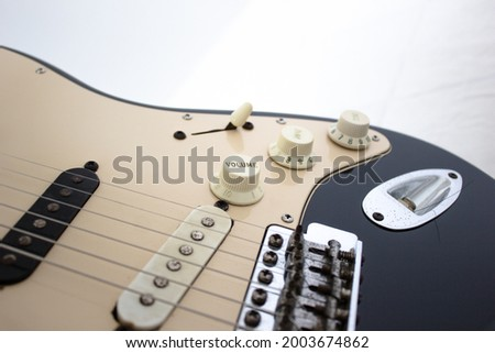 Black and White  electric guitar volume