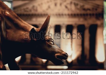 Bull statue background pic Roman