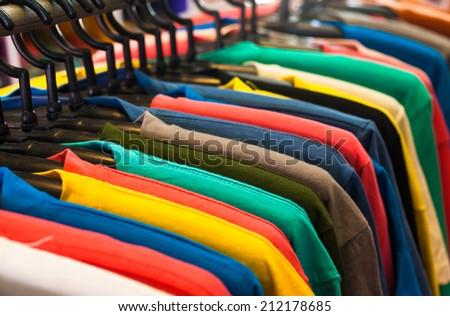 T- shirt  #212178685