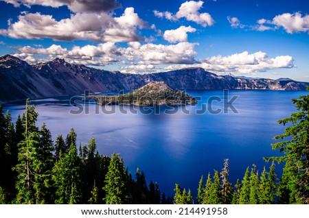 Crater Lake, Oregon Royalty-Free Stock Photo #214491958