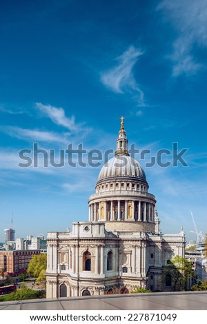 St. Paul's Cathedral in London, text space