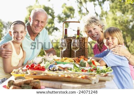 Family Dining Al Fresco #24071248