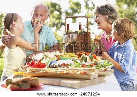 Family Dining Al Fresco #24071254
